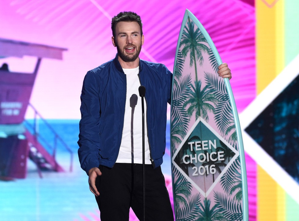 rs_1024x759-160731173304-1024-chris-evans-teen-choice-awards-tt-073116