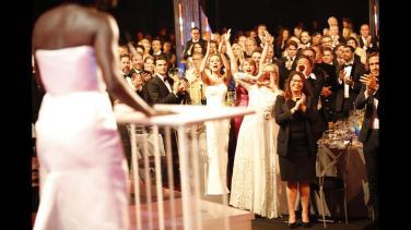 Meryl Streep, Bryce Dallas Howard και Brie Larson - Πρόεδρος, Αντιπρόεδρος και Ταμίας. Το fan club της Viola Davis πανηγυρίζει την νίκη της.